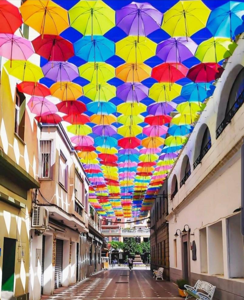 Calle cadalso paraguas