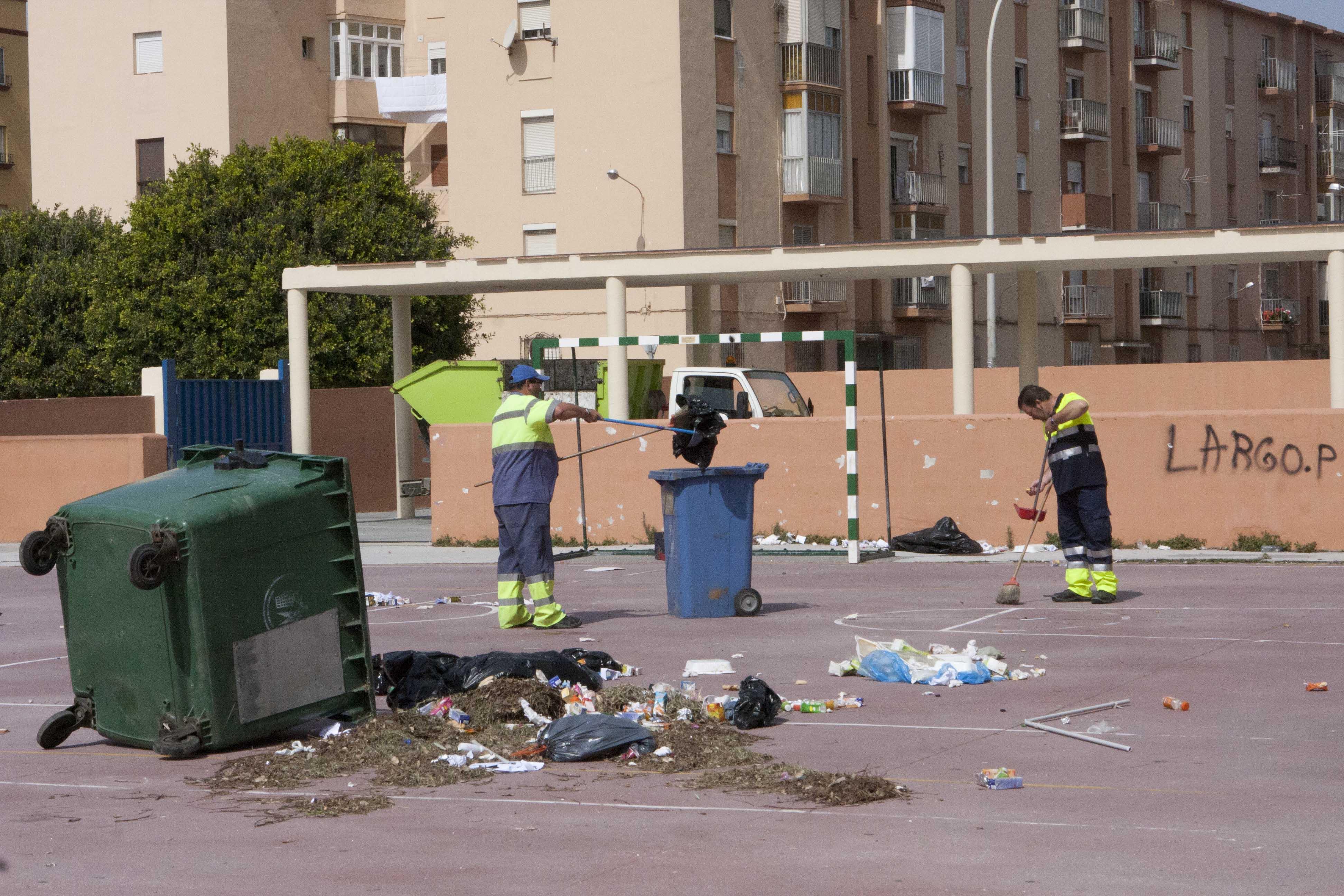Limpieza Colegio Pablo Picaso 1
