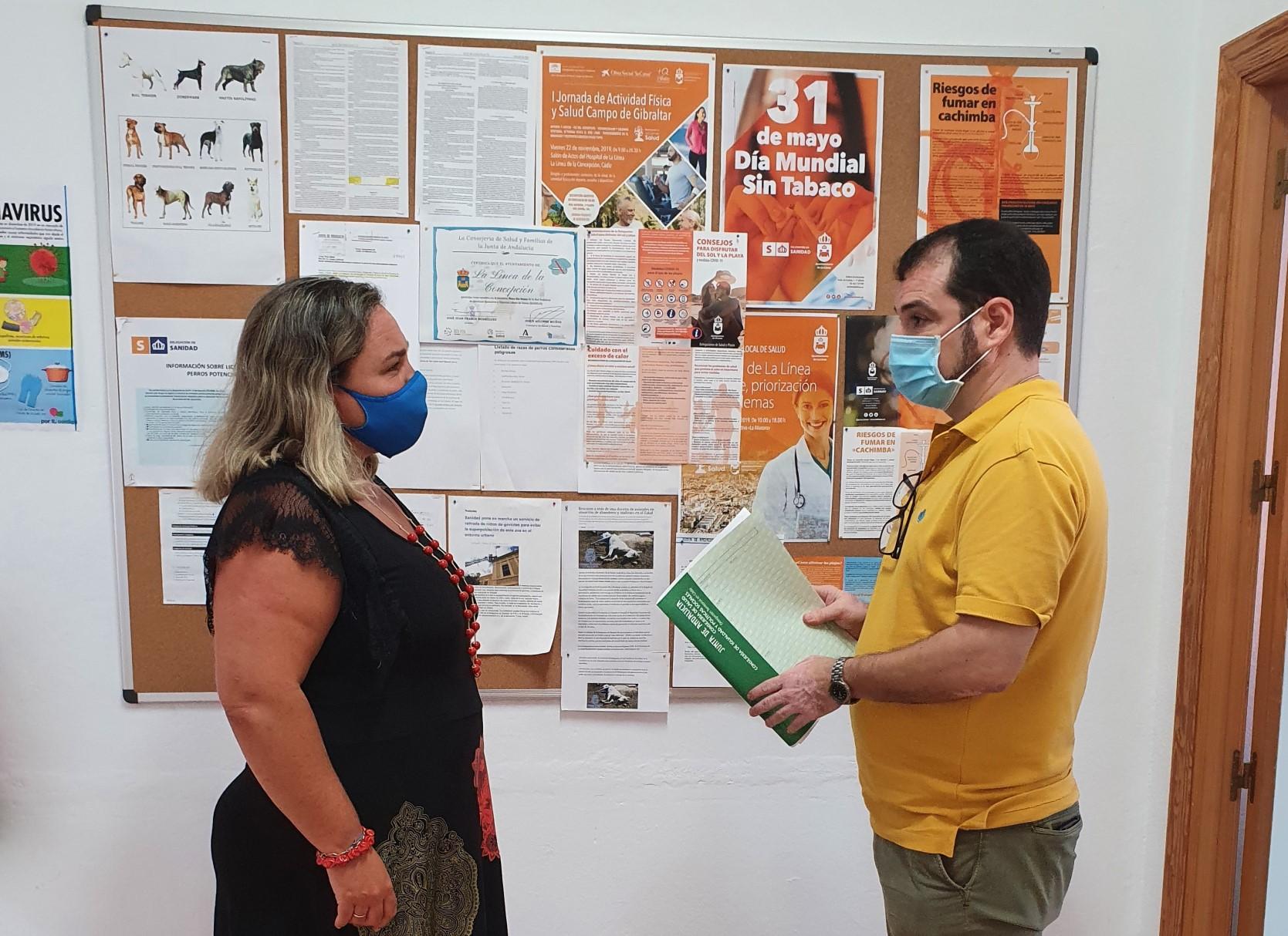 Rosa Perez y coodinador Plan Local Salud